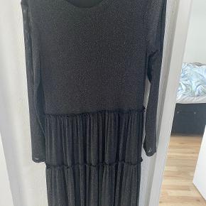 Studio kjole eller nederdel