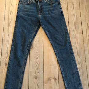 Samsøe&Samsøe jeans 32/32. Aldrig brugt. Fortsat med butiks-tag.