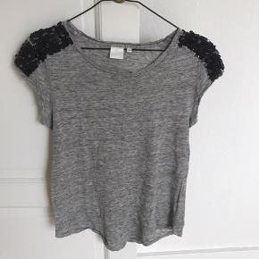 Fin t-shirt - brugt men fejler intet.