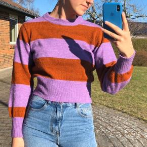 Super fed trøje fra Topshop i en s. Byd :)