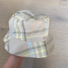 Gestuz Hat & hue