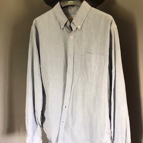 Køb alle tre skjorter for 200 kr plus porto