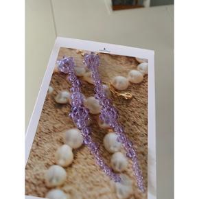 Sui Ava øreringe med perler (kun prøvet på). Sælger da jeg har for mange øreringe ligner Stine Goya   🌸 Mp: 40kr + fragt 20kr