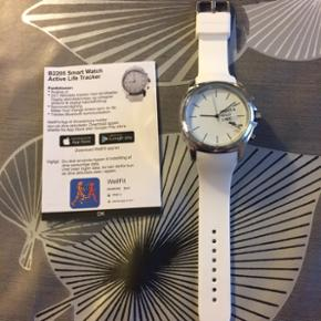 Splinternyt B2205 Smart Watch Active Life Tracker. Måler aktivitetsniveau, skridt, afstand, kalorieforbrug og søvn. Bruges sammen med Wellfit appen.