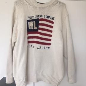 Ralph Lauren sweater i str.M. Jeg har klippet mærkerne af, men det er en str. M. Sweateren har været brugt, men er i virkelig god stand. Ingen tegn slid eller pletter :)