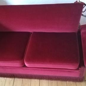 Vintage sofa i god stand. Kan leveres hvis du bor i området omkring Århus eller Silkeborg