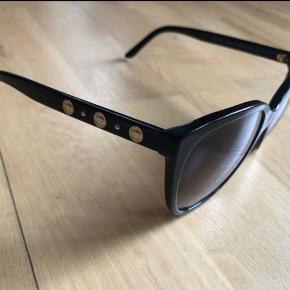 Versace briller kun brugt 2 gange  Inkl original emballage og kvittering (købt juni 2015)