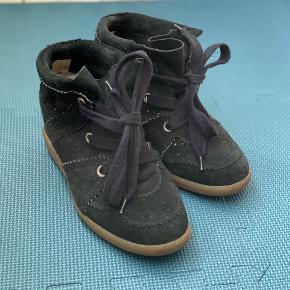 Sælger mine lækre Bobby-sko da jeg ikke får dem brugt. De er brugt få gange og fremstår som nye