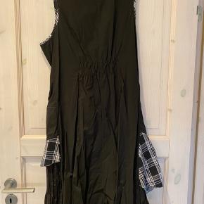 Skøn kjole kun prøvet på