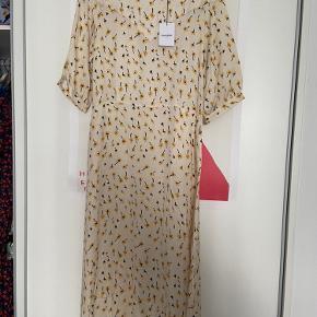 Lovechild 1979 kjole