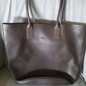 Lækker læder taske MO851 Bredde 37 cm Højde 29 cm Hanke 55 cm  #30dayssellout
