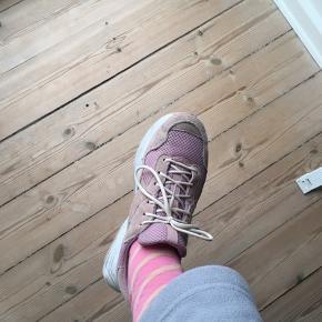 Chunky sneakers fra Bianco.  Brugt et par gange, så de fejler intet.  De bliver selvfølgelig rengjort inden de sendes afsted/hentes.