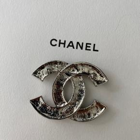 100%  autentisk Chanel vip gave fra Chanel i Hamborg. Helt ny og med stempel.
