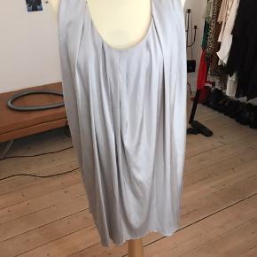 Smuk Acne kjole, nypris 2.500 sælges for 600 + Porto eller hentes på Amager.
