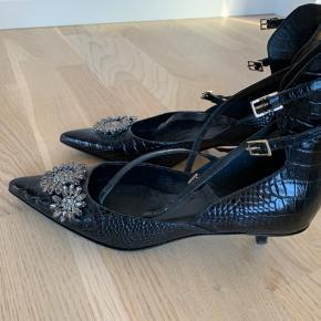 Erdem X H&M Kitten Heel Spids Spænder op af anklen