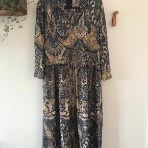 One Two & Luxzuz kjole