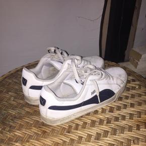 Mega fede sneakers, mangler bare en våd klud foran så er de gode som nye