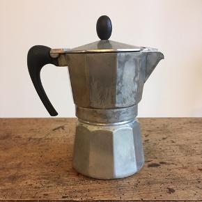 Fin espresso maker. Størrelse: lille til en kop