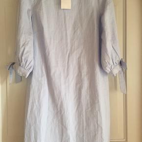 Super skøn kjole m 3/4 ærme i bomuld , nypris 279kr