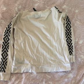 Fin trøje - brugt en gang, str s