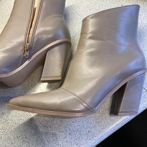Na-kd støvler