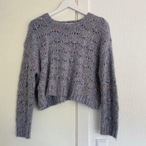 Zara sweater i str small, brugt få gange