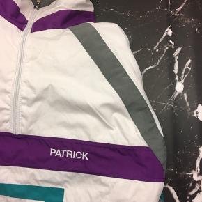 Mega fed Patrick pull over jakke i Hvid, lilla, grøn og grøn  Str: Xl (men fitter L men som et baggyfit)