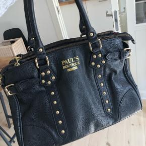 Taske fra Paul's Boutique, nypris omkring 700kr. Fra 2012, brugt få gange.