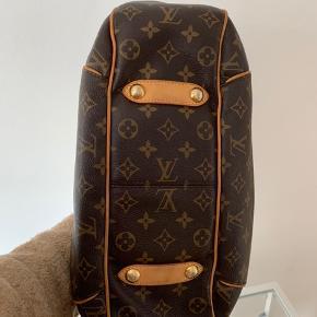 LOUIS VUITTON Galliera PM i Monogram Dejlig rummelig taske som sidder perfekt på skulderen  - kommer fra ikke-ryger hjem - original pose og dustbag medfølger   Skriv for flere billeder