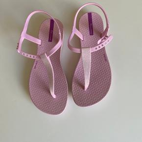 Smukke sandaler med glimmer foran brugt 2 gange