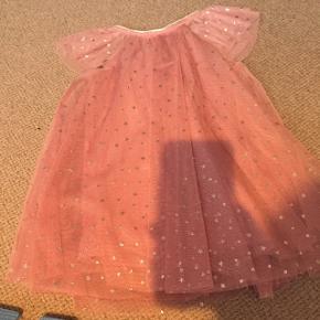 Rigtig fin lyserød kjole fra H og M. Brugt en gang