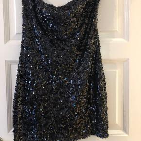 Smuk glimmer kjole fra Vero Moda