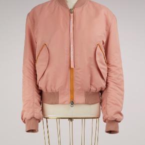 Sælger denne Acne Studios bomber jakke.  Str. 38   Np: 4100 kr