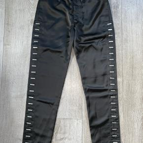 Heliot Emil 323_PANTS Nypris omkring 2.000DKK