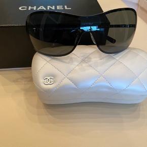 """Chanel Pearl solbrille """"limited edition"""" Aldrig brugt! Mp 1400"""