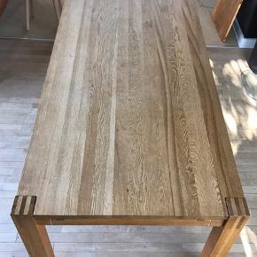 Egetræsbord 90 x 210 Med to tillægsplader