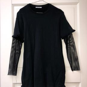 Mørkeblå Zara trøje med net ærmer