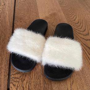 Minkpink sandaler