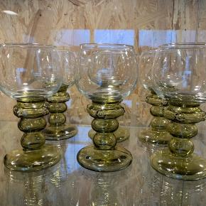 6 stk smukke Rømer glas . Meget unikke .  Sælges samlet , kan evt sendes på købers regning .