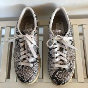 Adidas Stan Smith x Hyke sneaker. Størrelse 38 2/3.