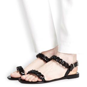 Givenchy Nea Jelly Black Chain sandaler   Str. 37 Np: ca. 1500-2000kr Brugt 3 gange og er i perfekt stand