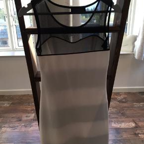 Super sød kjole, som er en xs, men kan passes både af xs, s og lille medium