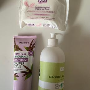 shower scrub 250 ml, vegan 🌱  Rense servietter 25 stk  Håndsæbe 500 ml - allergy certified   Prisen er for det hele📌  TJEK OGSÅ MINE ANDRE TRENDSALE TILBUD 🤩📌
