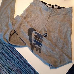 Super fede Nike bukser. Kun prøvet.