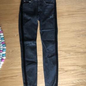 Så fede jeans fra zara Woman Str 36. L 32.  Brugt meget lidt