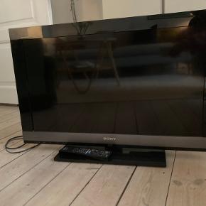 """Sælger dette 32"""" Sony Bravia. Fejler intet og skal afhentes på Østerbro."""