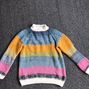 Hjemmestrikket sweater - passer str m og oversized s