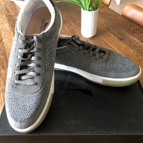 Brandblack sneakers
