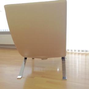 lænestol med fodstøtte, perfekt stand, ægte læder, stort og behageligt, udfoldeligt ryglæn