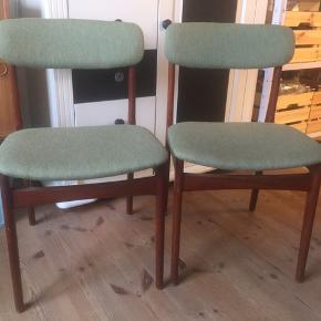 3 stk. stole (den ene befinder sig i Varde området). Afhentes i Odense (eller Varde området). 200 stk.